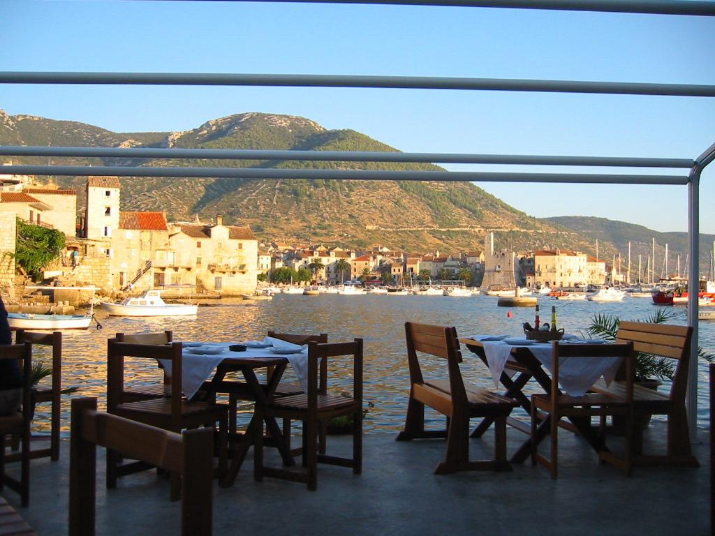tavern komiza vis croatia, bluemotion yacht charter, sailing in croatia