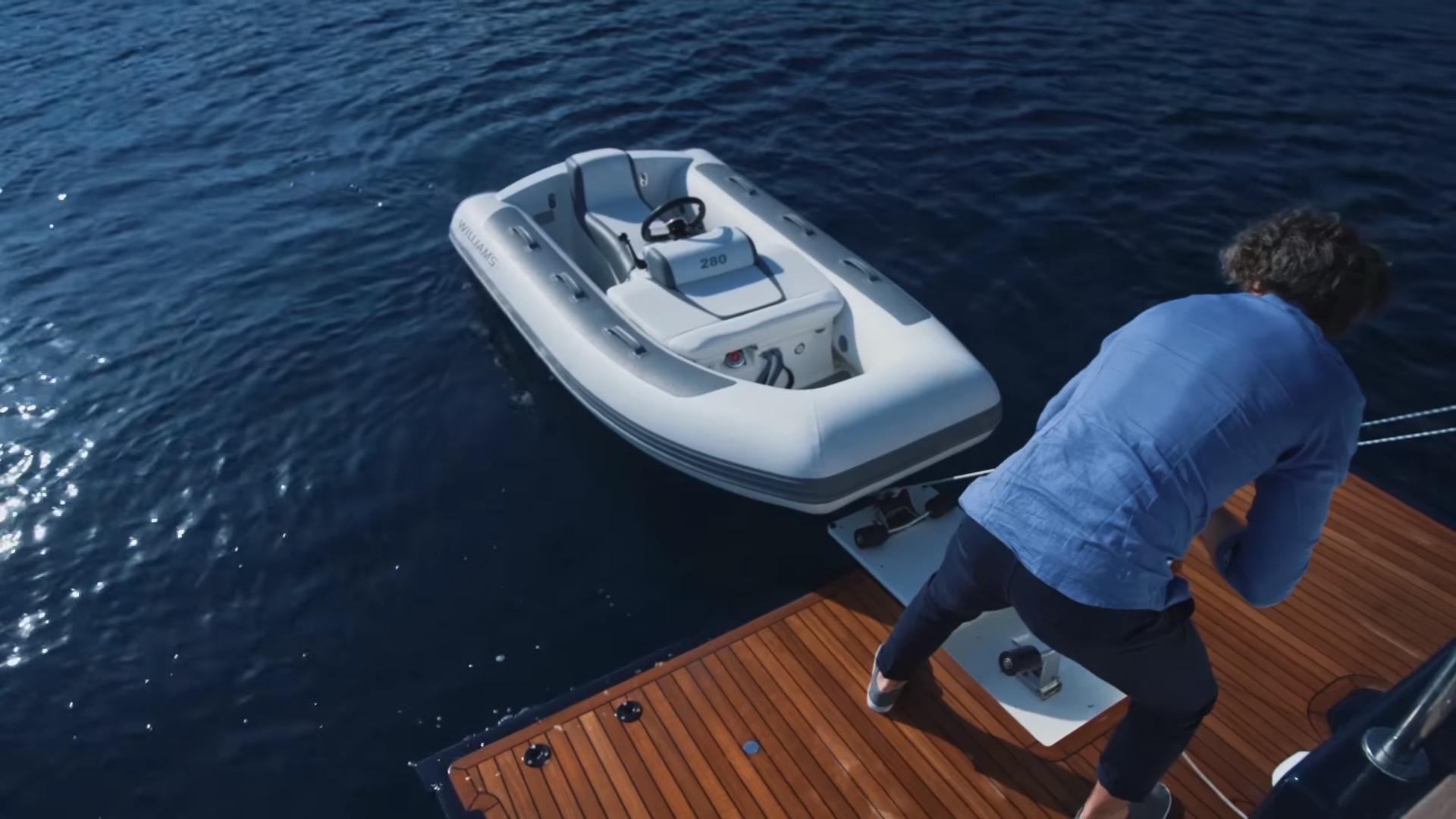 bluEmotion yacht Swimming platform